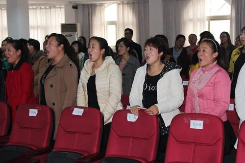 全体学员展示合唱曲目《共和国之恋》